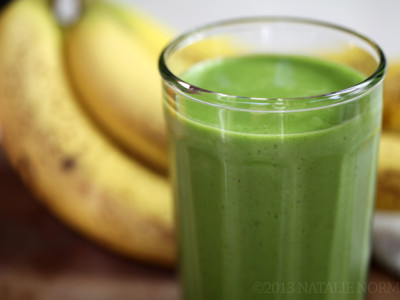 Creamy coconut, pineapple & banana green smoothie