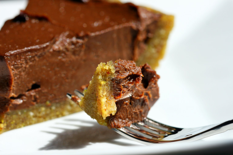 pistachio-mac-coconut-crust-choc-pie-fb