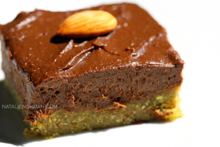 Raw Vegan Chocolate Cream Pie with Pistachio Macadamia Coconut Crust