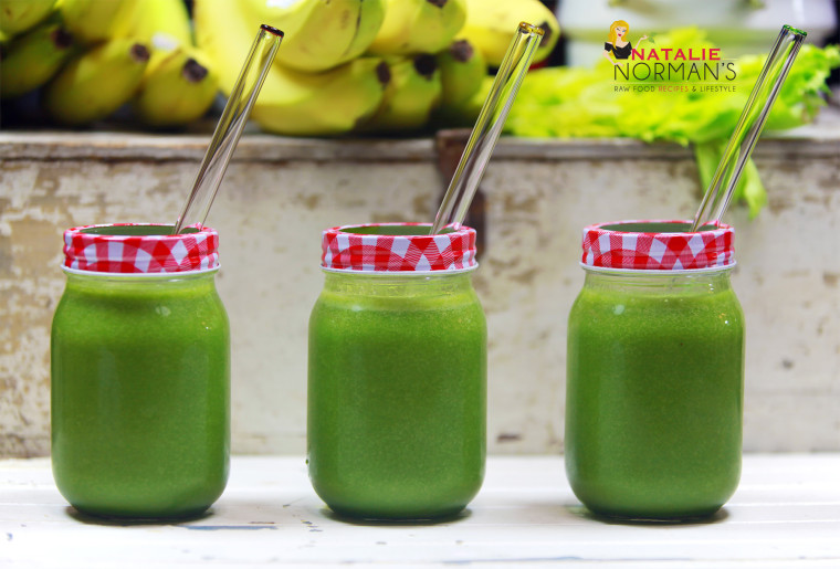 Cleansing Raw Vegan Green Smoothie with Celery and Pineapple