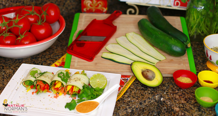 Fast and Easy Raw Food Meals: Zucchini Rolls with Creamy Chipotle Dipping Sauce
