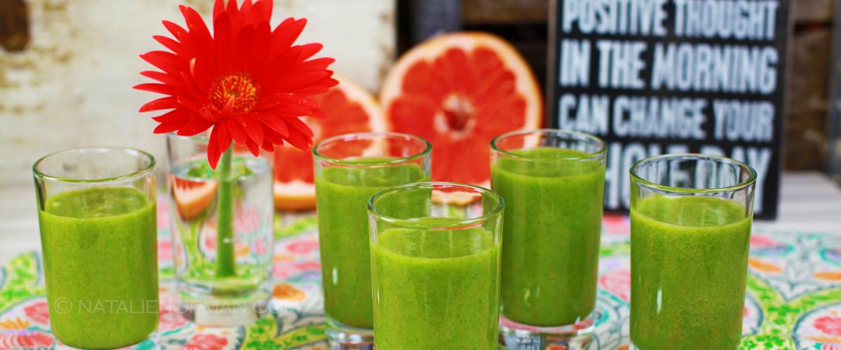 Grapefruit Kale Green Smoothie